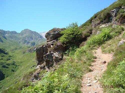 Chemin_lac_montagne