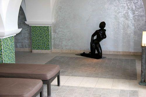 Statue piscine